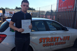 Medium_alex_frost__passed_test____after_attending_our_under_17s_driving_courses_www.slyde.eu