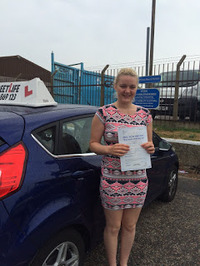 Mini_1_lauren_rowe_1st_time_pass_after_attending_our_under_17s_driving_academy_www.slyde