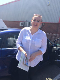 Mini_kirsty_johnson___passed_1st_time_today_with_only_3_minors__kirsty_went_to_our_under_17s_driving_academy_www.slyde.eu
