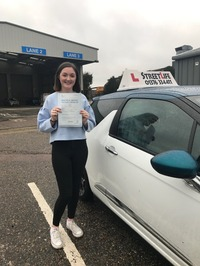 Mini_6_millie_ratcliff_4_lessons_at_slyde_our_under_17s_driving_academy_4_minor_faults